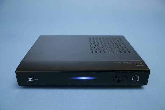 zenith-converter-box_power-on.jpg