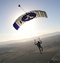 bonforte-yhoo-parachute.jpg