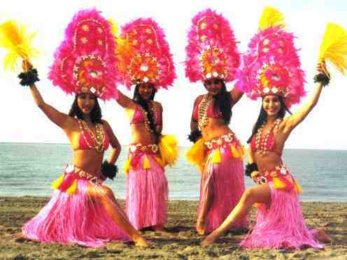 hula4some-1.jpg