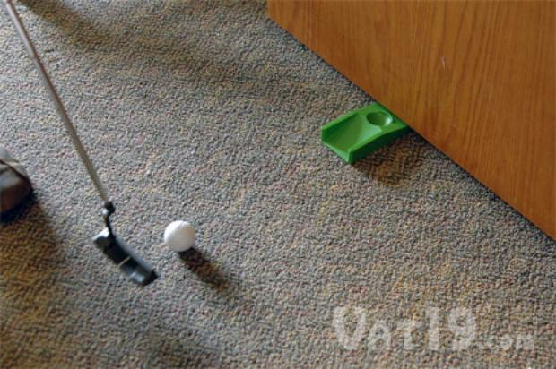 golfers-doorstop-putting-practice