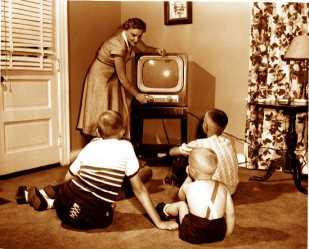 old_tv_set_