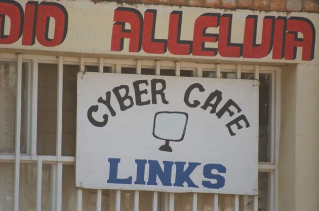 rwanda-cybercafe1