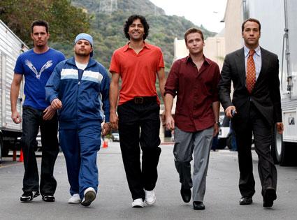 the-entourage-walking1