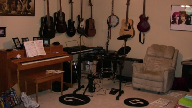 Image 1 scaled music room with alesis drums2 620 for 11 x 13 room