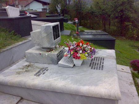 pc-tombstone