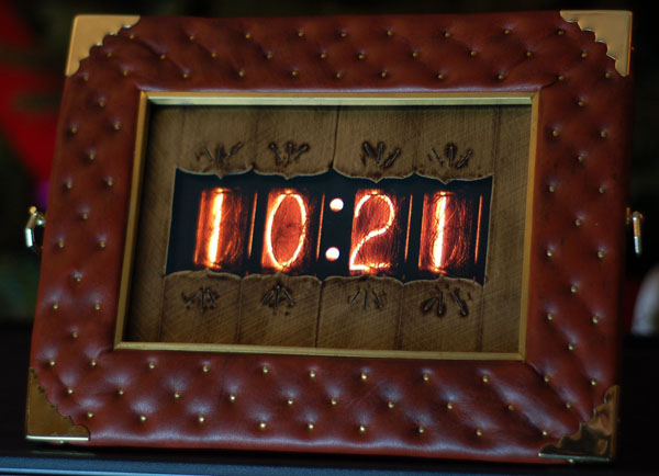 DIY Turn Your Digital Picture Frame Into A Nixie Clock
