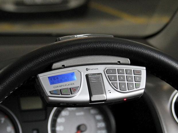 SteeringWheelBluetoothMP3_FMCarKit_1_640