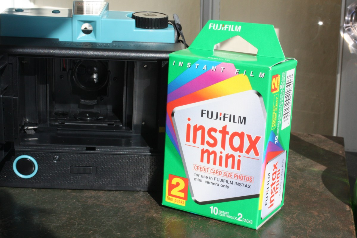 Review and giveaway: Lomo Diana F+ film camera with Instant