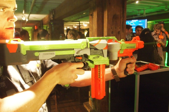 FREE SHIPPING Nerf Vortex Praxis Foam Disc Gun 3