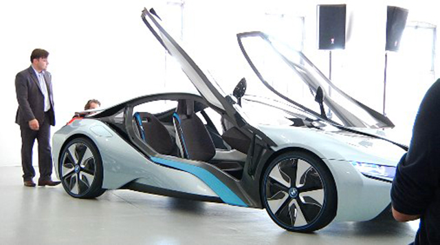 Used BMW Suv >> Meet BMW's New All-Electric i3 SUV And Hybrid-Electric i8 Sports Car – TechCrunch