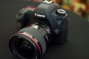 Canon's 6D included Wi-Fi functionality, but the app was so bad the company might as well not have bothered.
