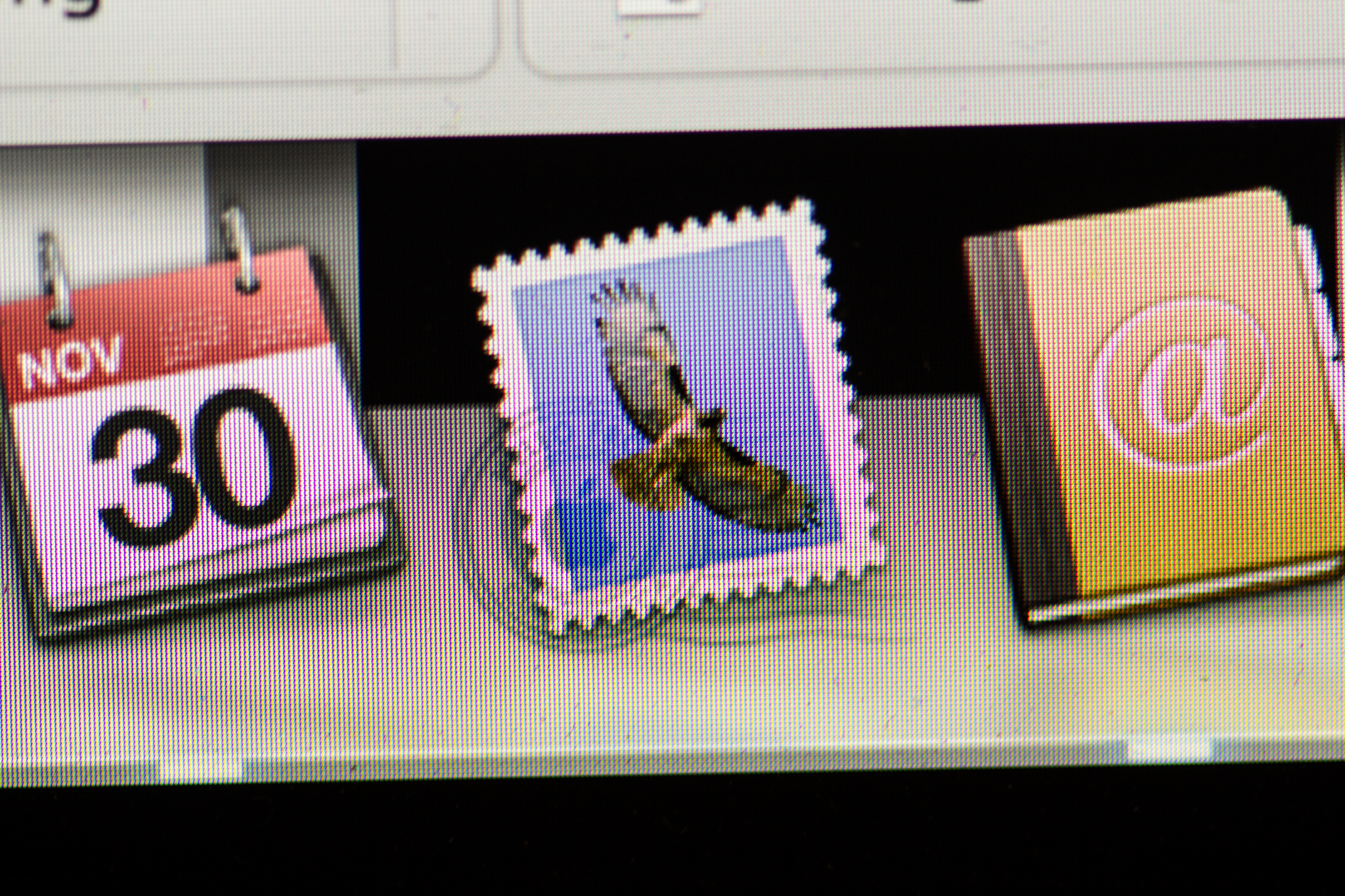Close-up of Mail icon on 2012 15-inch Retina MacBook Pro