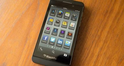 U K  Phone Retailers Offer Cheaper BlackBerry Z10 Tariffs A Month