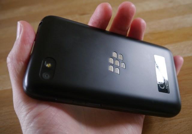 blackberry-q5-back