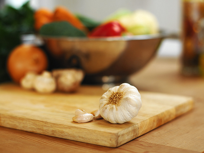 garlic cutting board