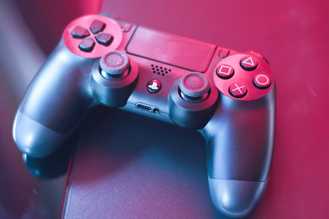 how to mute you mic on ps4 while live streaming