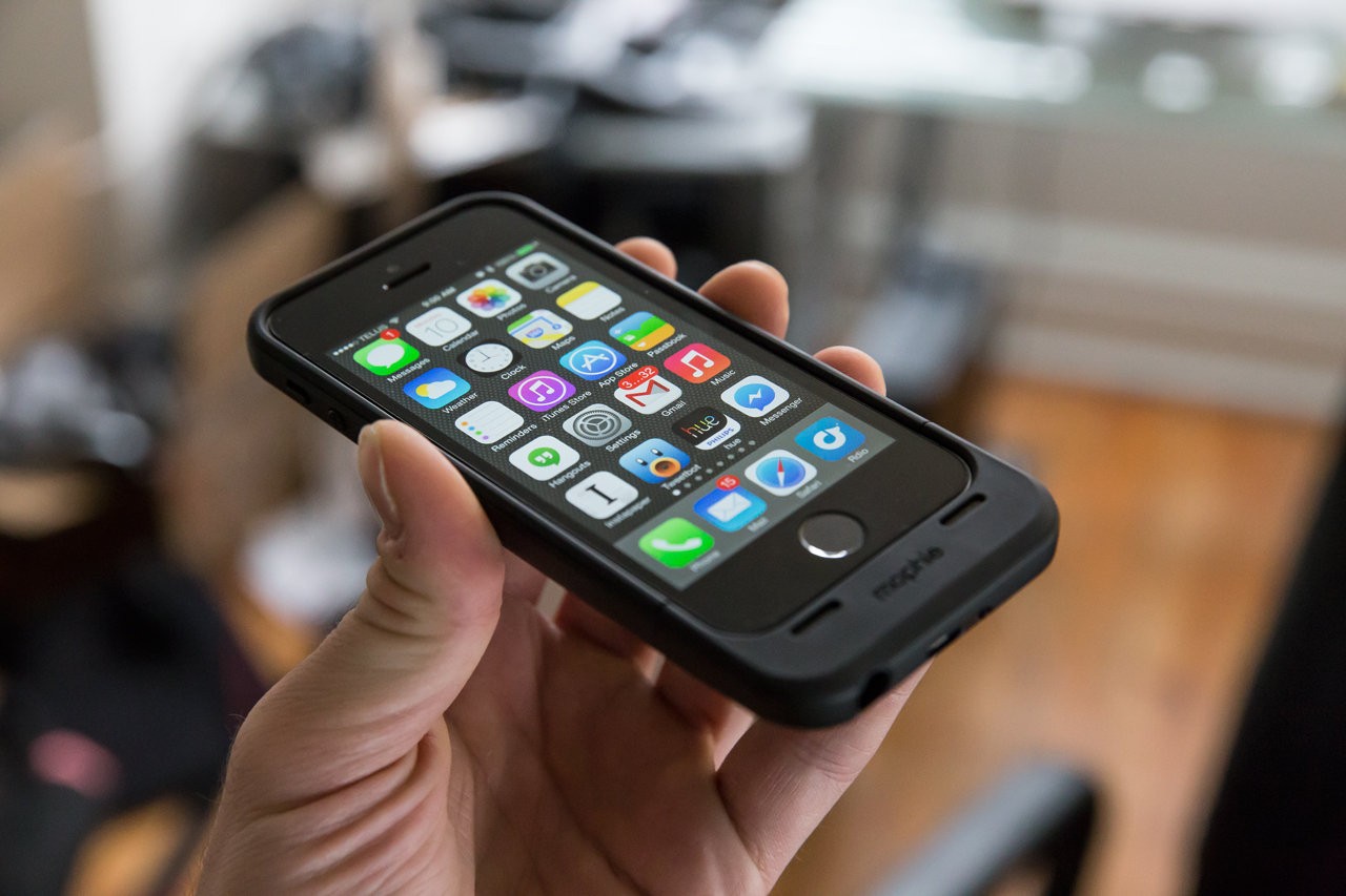 premium selection b955c a6702 Mophie Space Pack Review: Have Some Extra Storage With Your iPhone ...