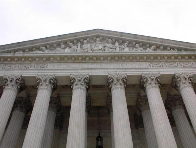 Unanimous Supreme Court Expands Scope >> Privacy Advocates Advise Supreme Court To Protect Phone Location