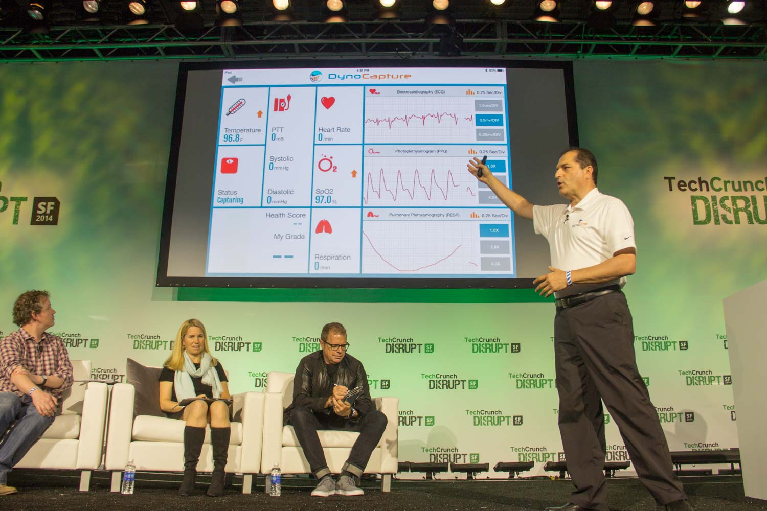 https://techcrunch com/2014/09/09/hands-on-with-the-iphone-6-and