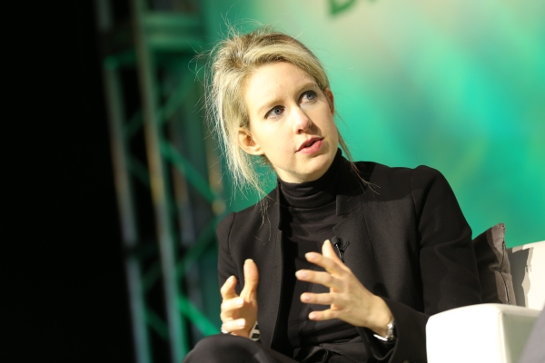 Theranos founder Elizabeth Holmes to stand trial in 2020 thumbnail