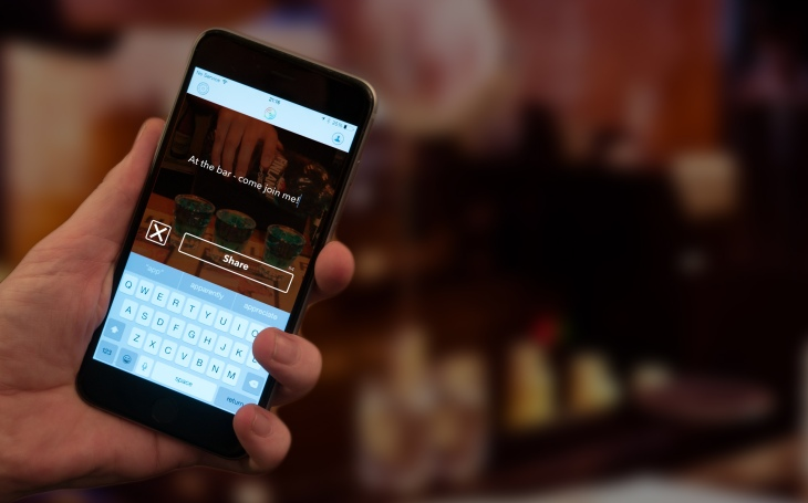 Tapkast Brings Ephemeral Status Updates To Your iPhone's