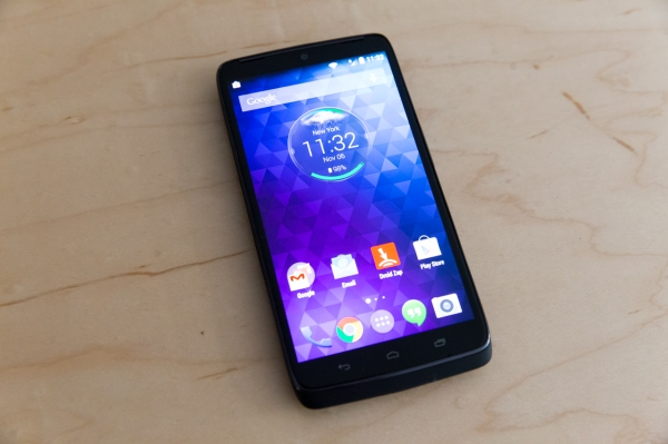 Droid Turbo Review: Motorola's Amped-Up Moto X Excels Where
