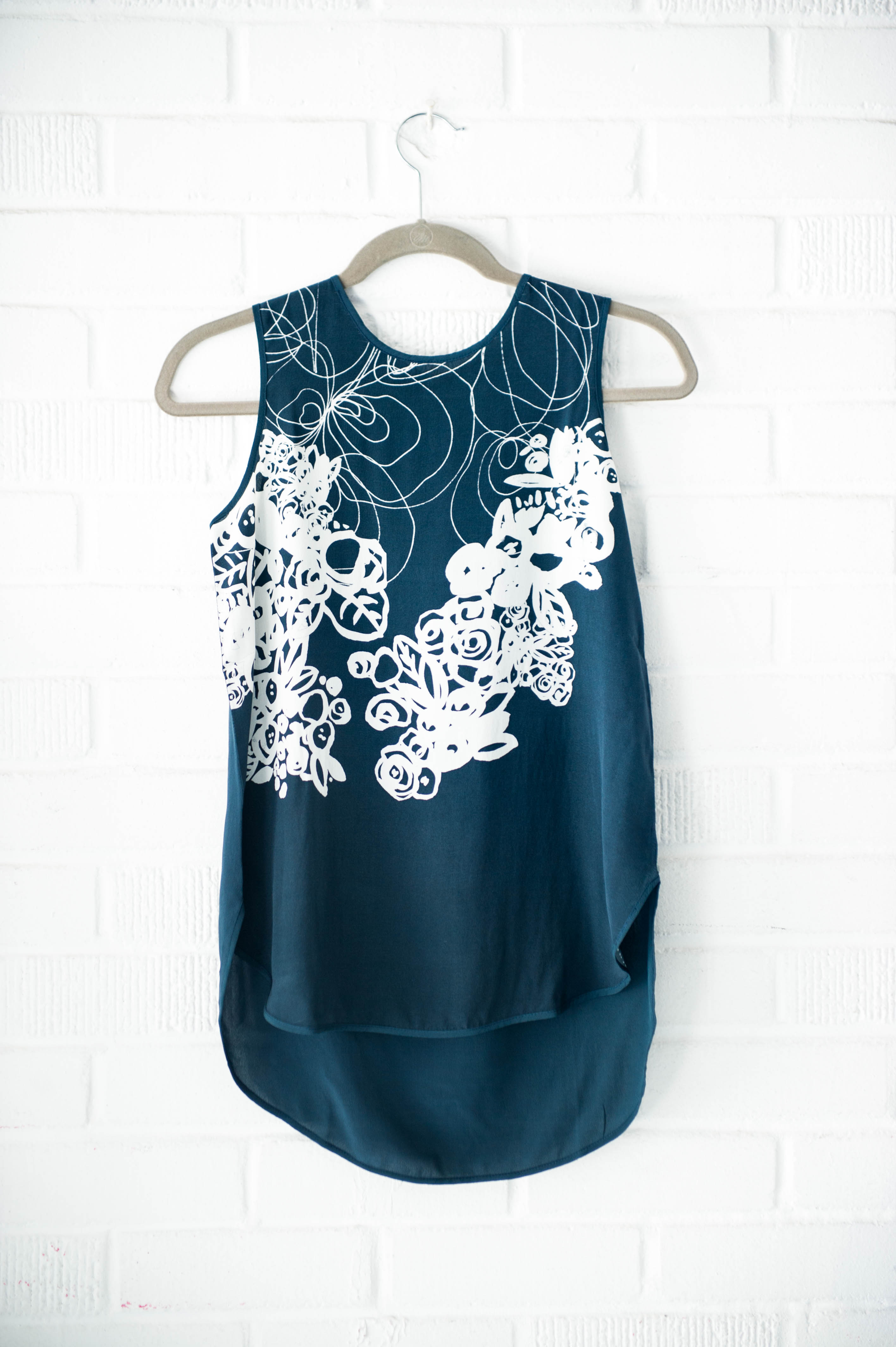 Latest Collections  Free Shipping New Arrival Sleeveless Top - Left Right Left by VIDA VIDA Real Sale Online CcRMc