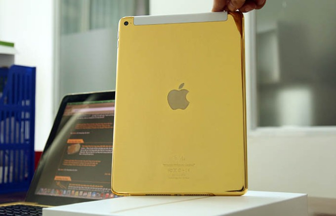 gold ipad air - 0