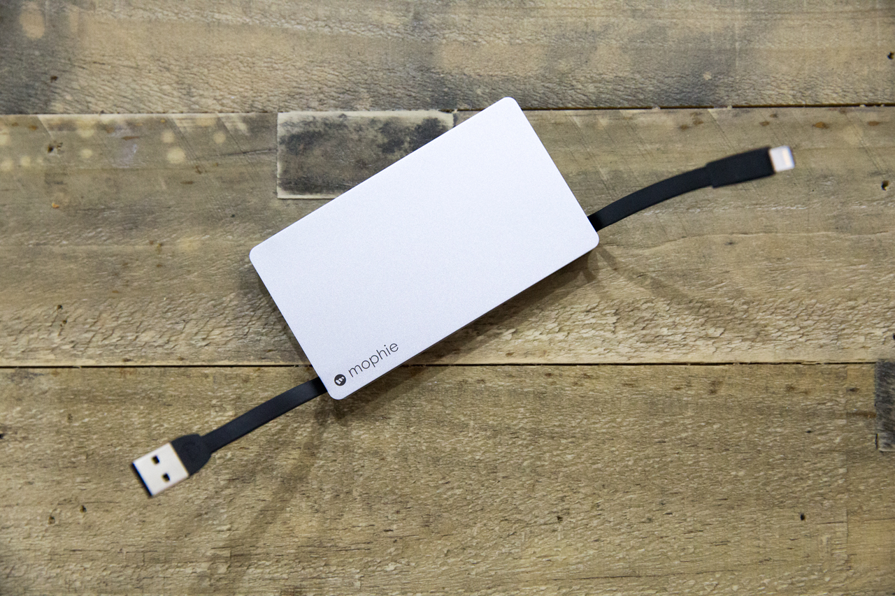 best authentic 7f95c 9e27d Mophie Powerstation Plus Review: Integrated Cable Is Both Blessing ...