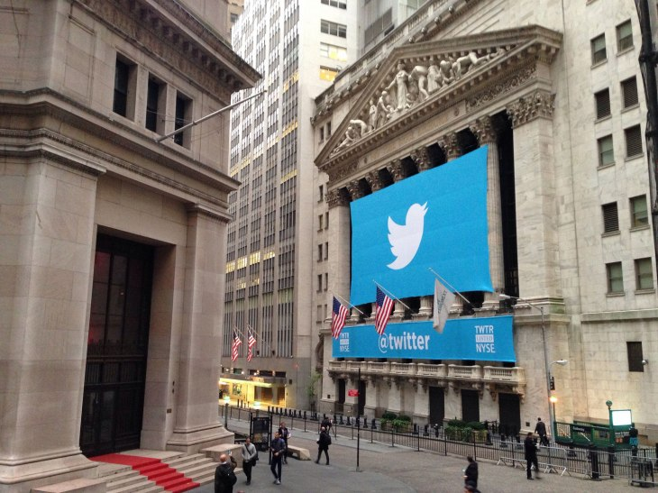 twitter s promoted tweets can now run on other websites and apps