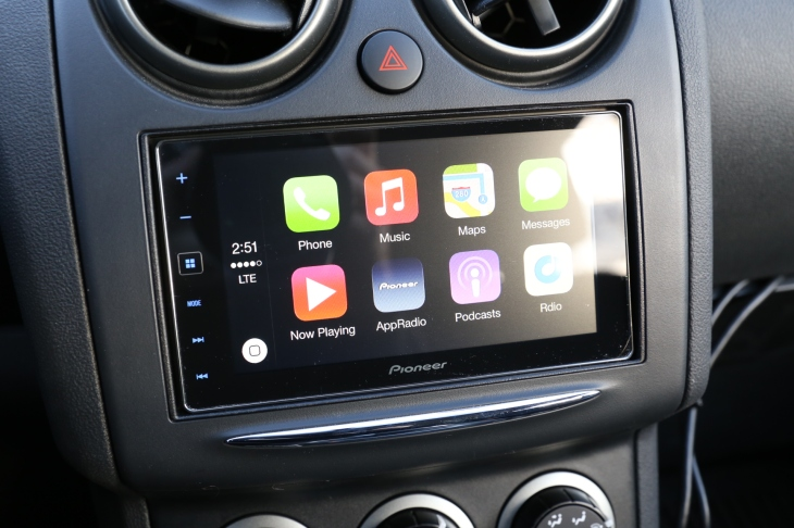 Pioneer AppRadio 4 With Apple CarPlay Review | TechCrunch