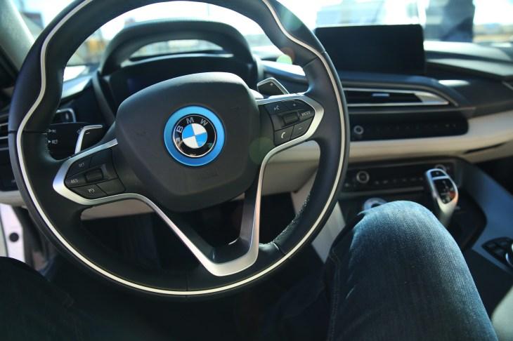 משהו רציני BMW, Mobileye and Intel are building a full self-driving car for CJ-25