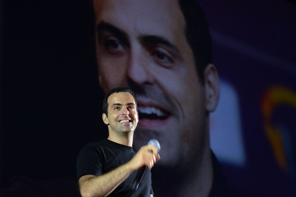 Facebook VR VP Hugo Barra is being replaced