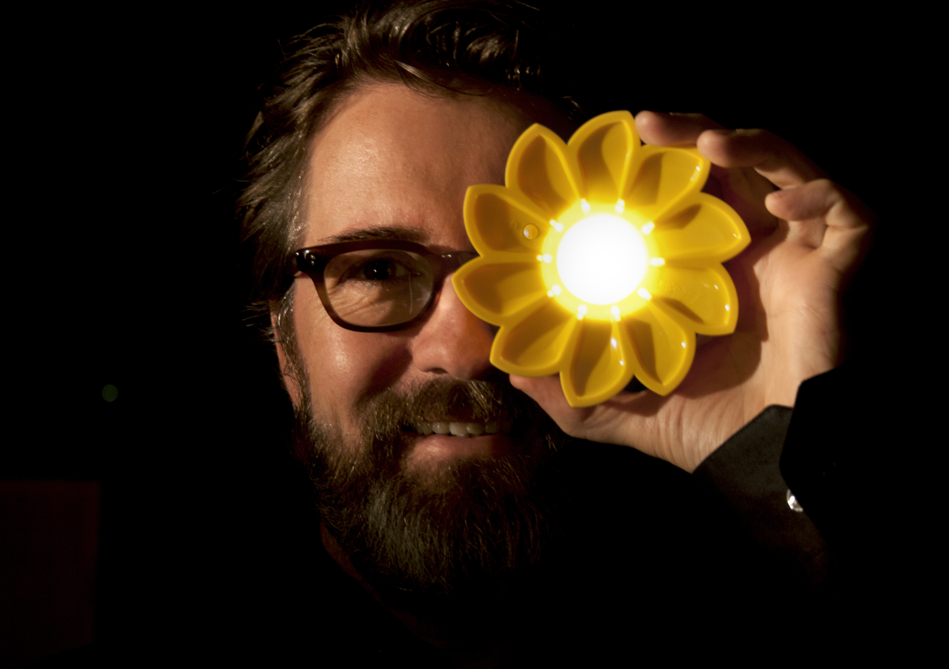 Olafur Eliasson with Little Sun Photo: Tomas Gislason