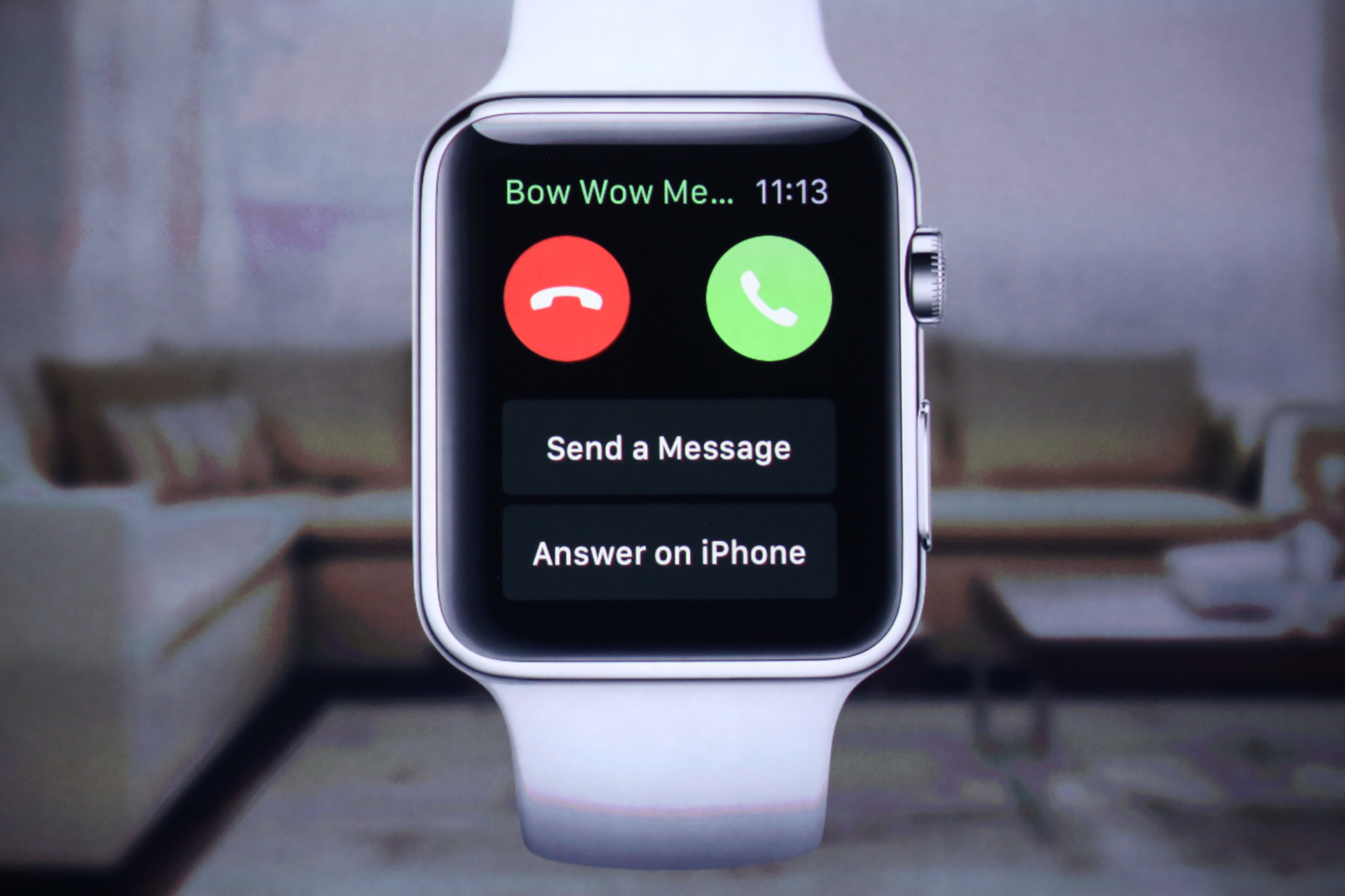 phone news don need ll want i bloomberg apple features you but watch t review one watches