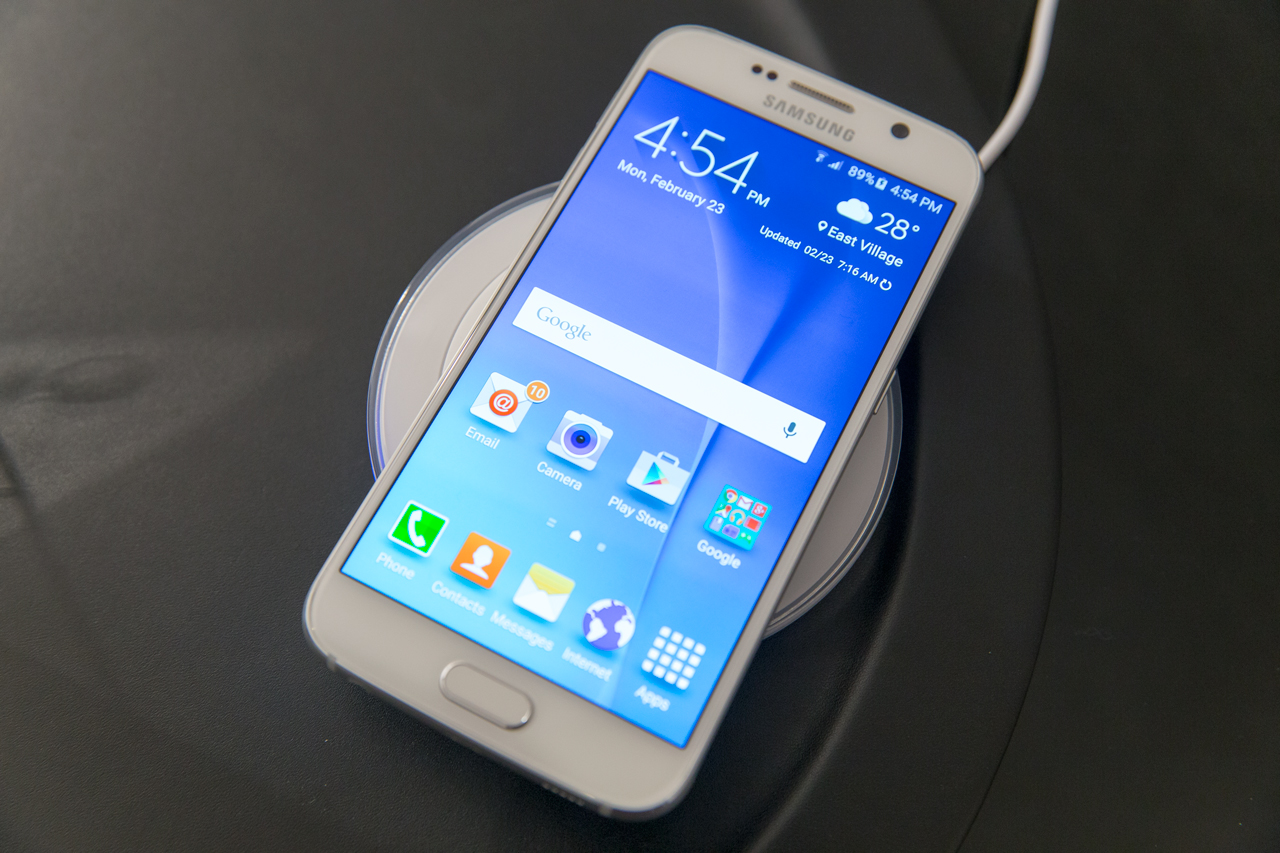 The Galaxy S6 has a fingerprint sensor embedded in its home button.