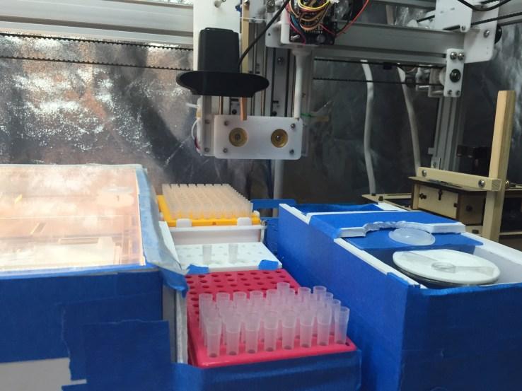 Arcturus BioCloud's genome splicing robot.