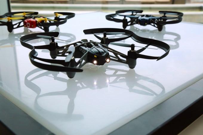 Parrot minidrone Airborne Night Drones
