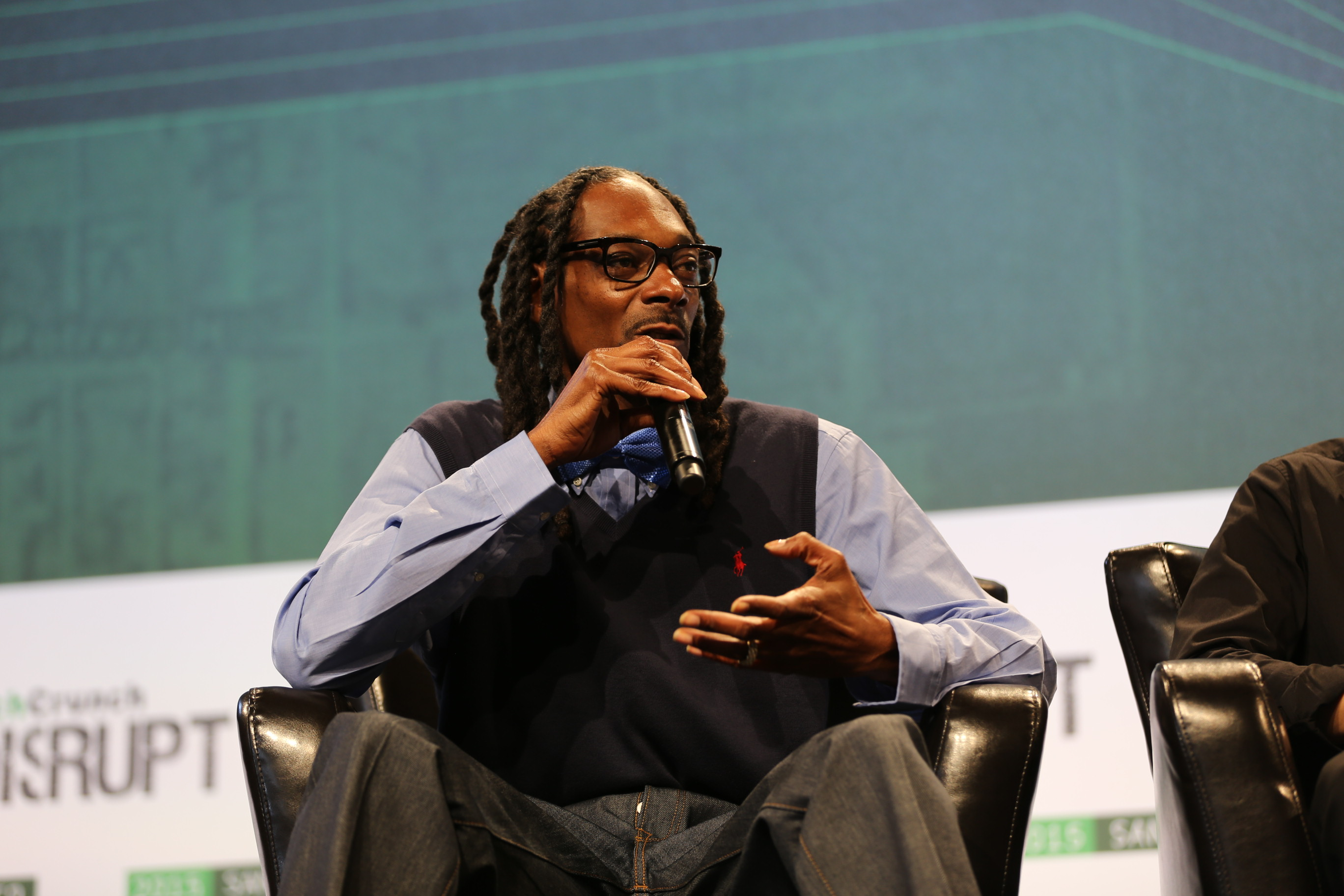 Snoop dogg on why hes investing in gameon techcrunch kristyandbryce Gallery