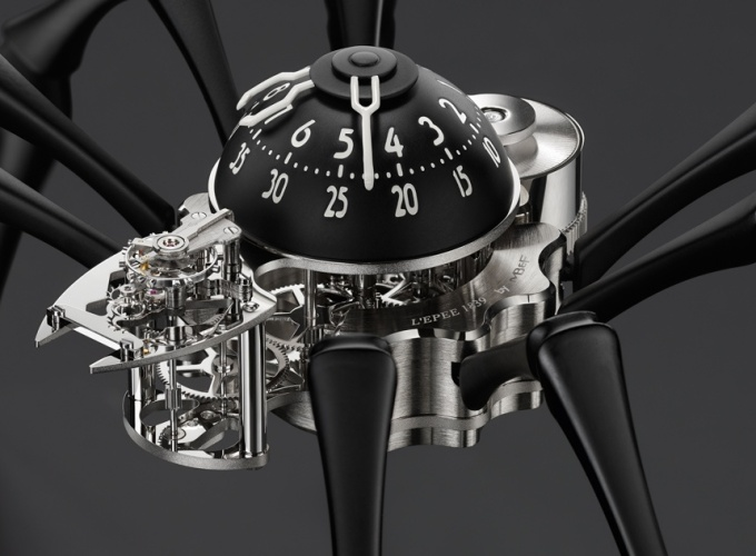 MBF-Arachnophobia-Spider-Table-Clock-aBlogtoWatch-3