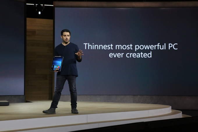 Microsoft Surface Book Onstage 04