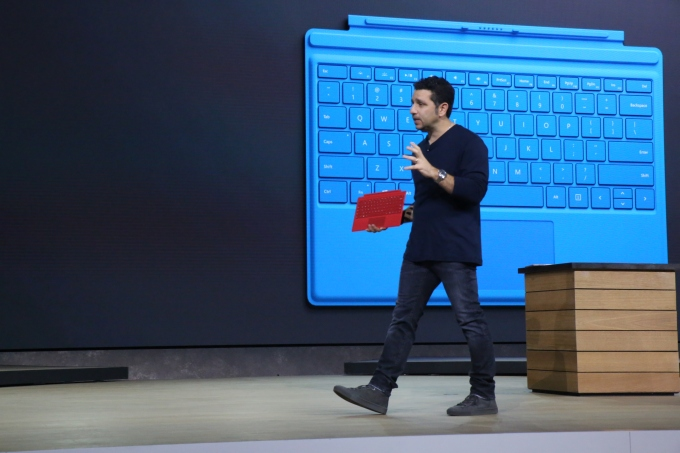 Microsoft Surface Pro 4 Touch Cover Onstage