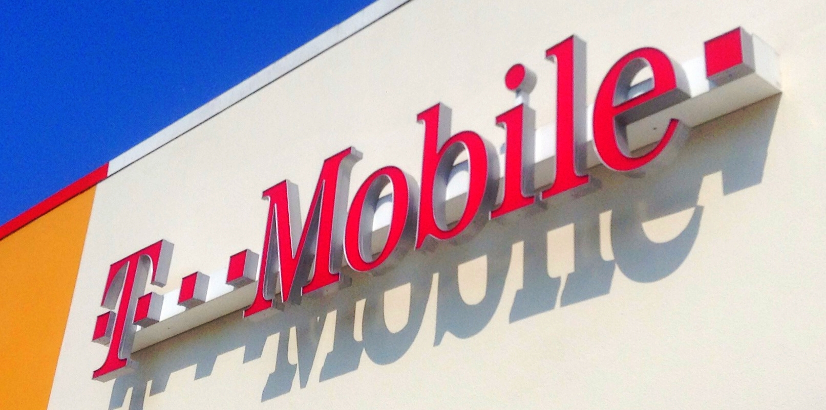 Records Of 15 Million T-Mobile Customers Swept Up In Experian Hack