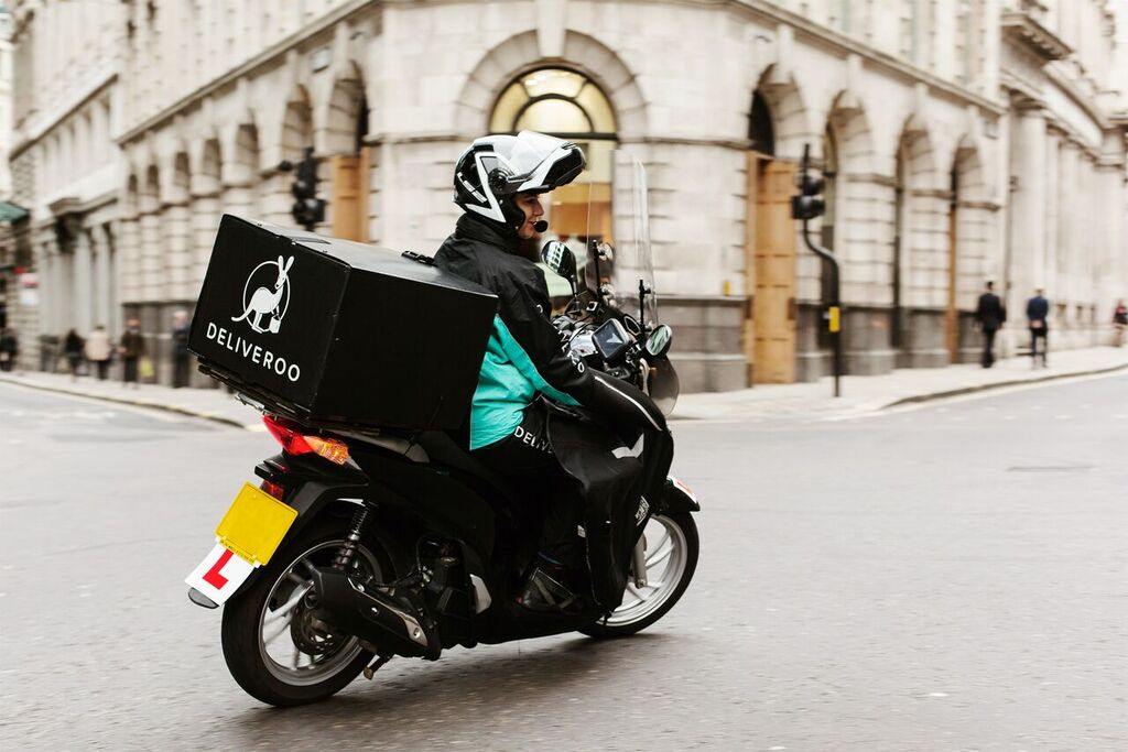 Deliveroo employees are getting shares, riders are getting nothing