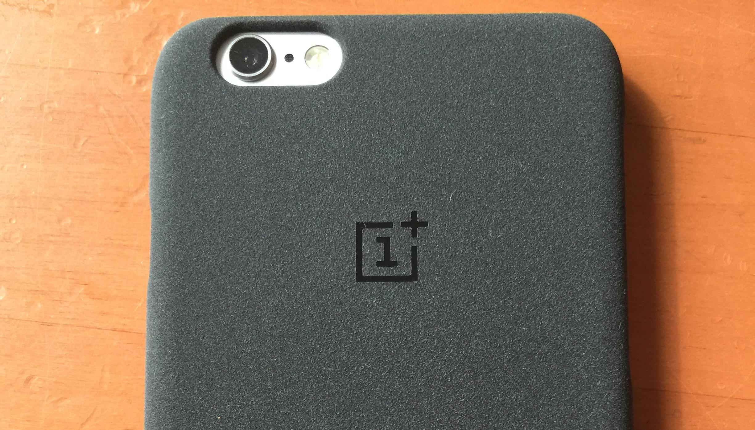 newest d4adf 4167f Android Phone Maker OnePlus Launches 'Sandstone' iPhone Case Just In ...