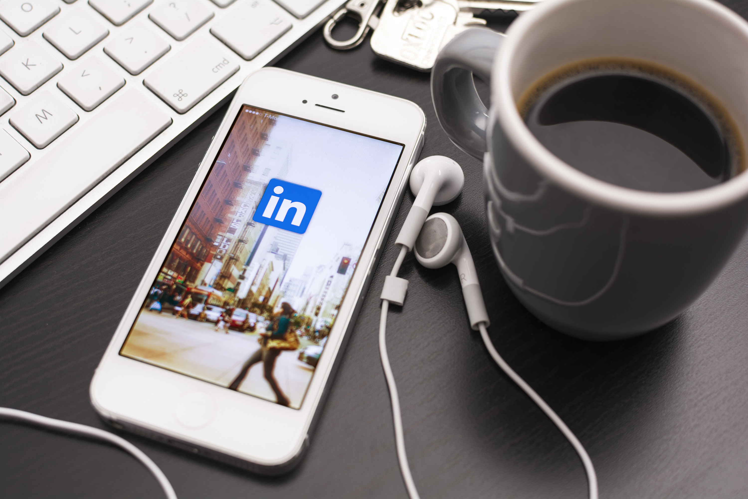 LinkedIn will soon include auto-playing video ads in your Newsfeed