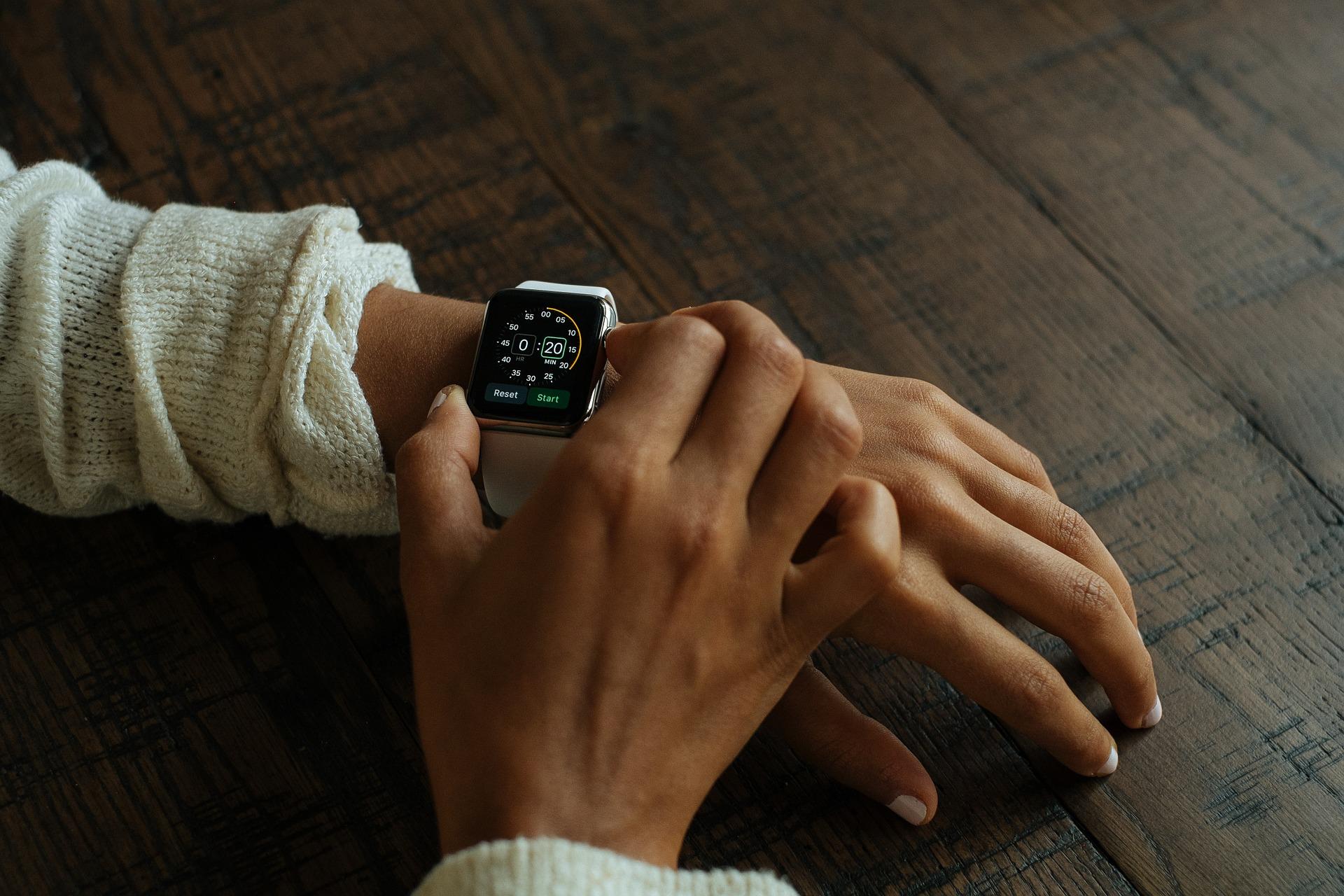 smart-watch-821558_1920