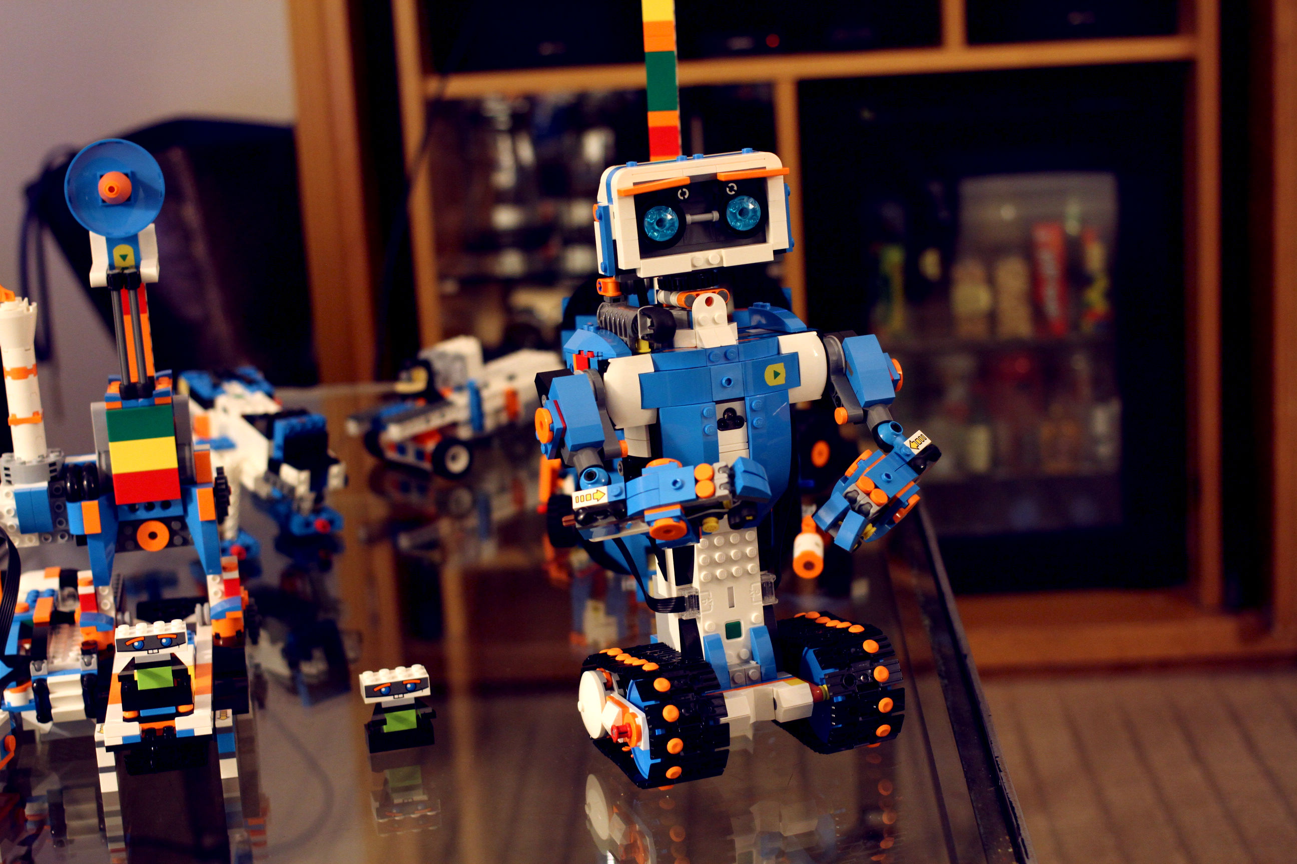 Lego targets pre-Mindstorms minds with its Boost ...