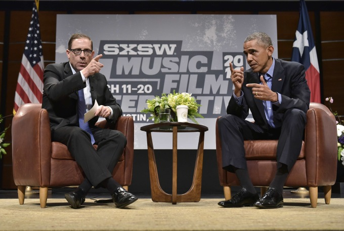 US President Barack Obama speaks during a South by Southwest Interactive with Texas Tribune editor Evan Smith (L) at the Long Center for Performing Arts in Austin, Texas on March 11, 2016. / AFP / MANDEL NGAN