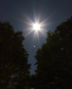 Moon and Jupiter conjunction in August 2010 / Image courtesy of NASA/ Tom Cocchiaro